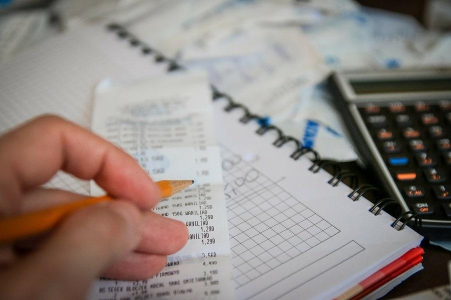 cómo ahorrar dinero rápidamente reduciendo gastos